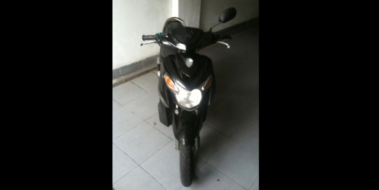 Yamaha-Nouvo-black-3